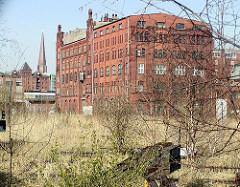 Industriearchitektur im Hamburger Freihafengebiet - stillgelegte Bahnanlage / Schienen und Prellböcke vom Güterhauptbahnhof Oberhafen. 2002