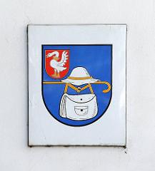 historisches Wappen von Hamburg Wandsbek - Hut, Stock + Schirm des Wandsbeker Boten / Schild Stormarn, weiser Schwan auf rotem Grund.