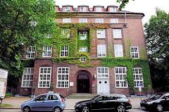 Klinkergebäude der AOK in Hamburg Eimsbüttel - Fotos der Architektur in der Hansestadt Hamburg.