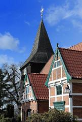 Bilder von Hamburgs Kirchen Bezirk Bergedorf Stadtteil Curslack Fachwerkkirche.