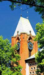 Turmuhr und Kupferdach der St. Thomaskirche - HH Rothenburgsort.