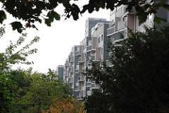 Wohngebäude Wohnsiedlung Osdorfer Born - Hochhäuser, Grünanlage.