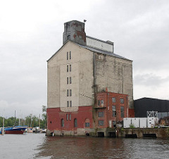 Harburger Hansen Speicher (2007) - Harburger Industriegeschichte