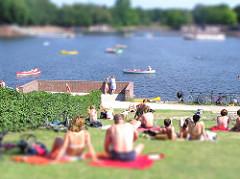 Hamburger Stadtpark - Liegewiese.