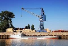 Frachter am Kai im Reiherstieg - fahrbarer Kaikran mit Ausleger - Bilder aus Hamburg Wilhelmsburg, Bezirk Hamburg Mitte.