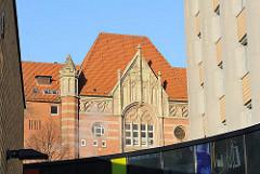 Giebel des Anfang 1900 errichteten Central-Fernsprechamts in Hamburg Rotherbaum.