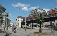 Fotos Stadtteil Hamburg Altstadt Rödingsmarkt Alter Wall Hochbahnviadukt - Hochbahnzug Haltestelle.