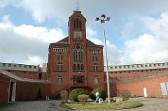 JVA Fuhlsbüttel - Gefängniskirche Innenhof des Hamburger Gefängnisses.