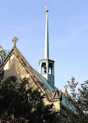 Osterkirche in neu-gotischem Baustil / Architekt Gilbert Scott. Ehemalige Friedhofskappelle des Jacobi Friedhofs in Hamburg EIlbek.