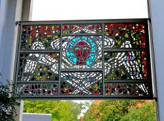 Glasbild - Engel im Turm der Dreifaltigeitskirche in Hamburg Hamm - Künstler Claus Wallner.
