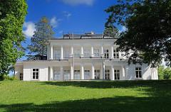 Gosslerhaus in Hamburg Blankenese - Klassizistisches Landhaus; erbaut vom englischen Kaufmann John Blacker 1794 - Architekt Christian F. Hansen.
