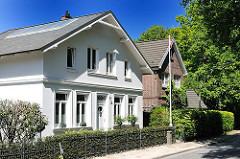 Ländliche Architektur - Bilder aus Hamburg Osdorf - Wohnen in den Hamburger Vororten.