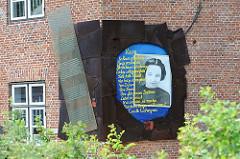 Erinnerungstafel, Denkmal an Lucielle Eichengreen - Lawaetzhaus Neumühlen, Hamburg Ottensen.