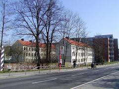 Für den Abriss vorgesehene historische Terrassenhäuser in der Talstrasse von Hamburg St. Pauli (2003)