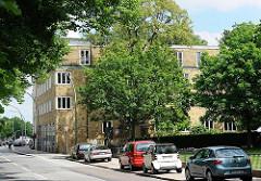 Ehemaliges Schwesternwohnheim in der Max-Brauer-Allee, Hamburg Altona - 1927 erbaut - Klinkersteinfassade - Architektur Gustav Oelsner.