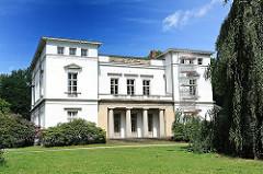 Klassizistisches Herrenhaus - Katharinenhof; erbaut 1829-1836; Bauherr Altonaer Kaufmann Georg Friedrich Baur - Architekt Johann Matthias Hansen.