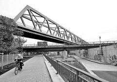 Eisenbahnbrücken am Oberhafenkanal in Hamburg Rothenburgsort beim Brandshofer Deich.