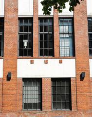 Fassade des Fabrikgeländes Borselhof - Bilder aus dem Stadtteil Hamburg Ottensen.