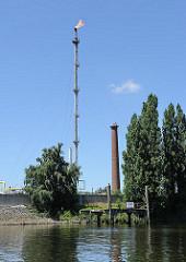 Abfackelung Raffinerie, Harburger Tankhafen - Schornstein.