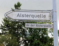 Schild zur Alsterquelle, Strassenname An der Alsterquelle in Rhen, Henstedt - Ulzburg.
