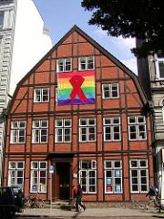 HIstorisches Fachwerkgebäude Lange Reihe in Hamburg St. Georg. Geschäftsstelle der Aids-Hilfe in Hamburg.