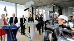 Pressekonferenz mit Kultursenatorin Barbara Kisseler zum Weiterbau an der Elbphilharmonie nach eineinhalb Jahren Stillstand..