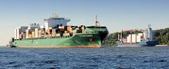 Das Containerschiff CSAV Rio De Janeiro auf der Elbe auf der Fahrt in den Hamburger Hafen - das Frachtschiff hat eine Länge von 294m und kann 5294 TEU Container transportieren.
