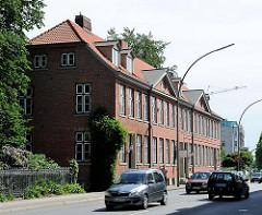 Noble Backsteinarchitektur an der Klopstockstrasse - Hamburg Ottensen - die Häuserzeile wurde 1797 erbaut und steht unter Denkmalschutz