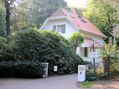 Gebäude der Hamburger Schulbehörde - Freiluftschule Blinkfuer Wittenbergen.