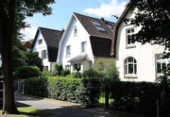 Dicht zusammenstehende Stadtvillen im Hamburger Stadtteil Marienthal.