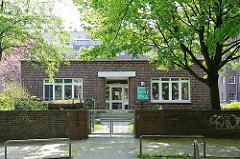 Wohnen in Hamburg - Backsteinarchitektur in Hamburg Altona Nord - Kindergarten Wohnblock Koldingstrasse.