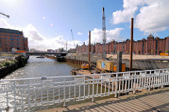 Blick von der Ericusbrücke in den Ericusgraben / Ericuskanal zum Brooktorkai - Bauvorbereitung in der Hafencity der Hansestadt Hamburg (2007).
