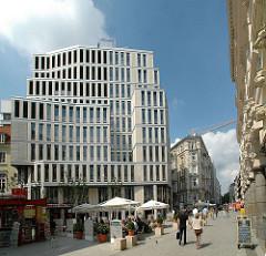 Fotos aus der Hamburger Neustadt - Gustav-Mahler-Platz - Moderne und historische Architektur in der Hansestadt Hamburg.