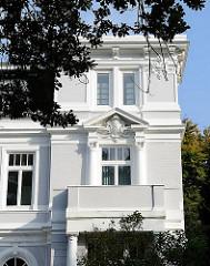 Gründerzeit-Villa in der Herbert Weichmann Strasse; Wohngebäude in Hamburg.