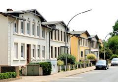 Reihenhäuser im gleichen Baustil - Architektur der Gründerzeit, Wohnhäuser im Hamburger Stadtteil Rönneburg.