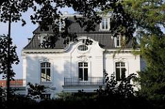 Villa an der Elbchaussee - Hamburger Wohngebäude - Stadtteil Ottensen.