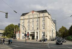 Hamburger Dammtorstrasse - historischer Prachtbau - ehem. Hotel Esplanade - Spielcasino in Hamburg.