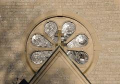 Kirchenfenster in der Othmarschener Christuskirche