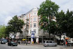 Wohn- und Geschäftsstrassen Hamburgs - Mühlenkamp u. Gertigstrasse im Stadtteil Winterhude.