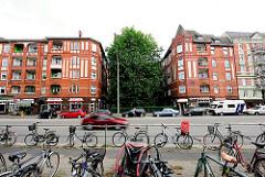 Historische Architektur - Wohnblocks an der Methfesselstrasse in Hamburg Eimsbüttel.