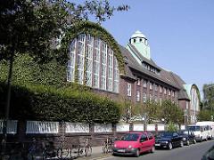 Holthusenbad - Badeanstalt Kellinghusenstrasse, Görnestrasse - Architekt Fritz Schumacher.