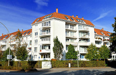 Neubauwohnungen - Wohnblocks mit Balkons in Hamburg Jenfeld. Fotos aus dem Bezirk Wandsbek.
