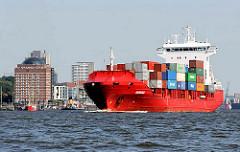 Das Containerschiff MARNEDIJK läuft aus dem Hamburger Hafen aus - Containerladung an Deck des Containerfeeders. Seniorenresidenz Neumühlen am Elbufer.
