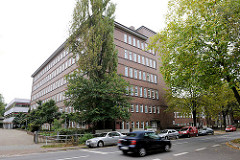 Gebäude Schule Alter Teichweg - Architektur der 1930er Jahre; ehem. Volksschule Architekt Fritz Schumacher.