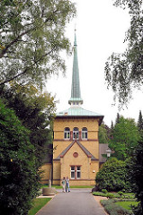 Kapelle 2 auf dem Ohldorferer Friedhof - 1886 nach Plänen von Wilhelm Cordes im Stil der Neugotik errichtet.