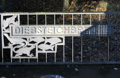 Schmiedeeiserne Diebsteichbrücke Hamburg Altona