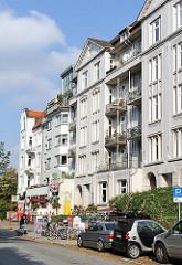 Architektur in Hamburg - Etagenhäuser im Stil des Historismus am Hofweg in Hamburg Uhlenhorst.
