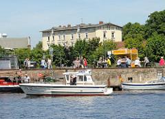Harburger Schloss - Polizeiboot WS 42 Wasserschutzpolizei Harburger Hafen Lotsekanal.