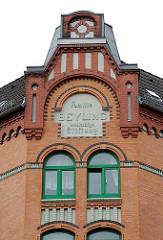 Ziegelfassade Wohnhaus in Hamburg St. Pauli - Familie Beyling wohltätige Stiftung
