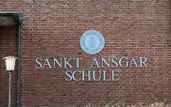 Schriftzug der St. Ansgar Schule Hamburg Borgfelde